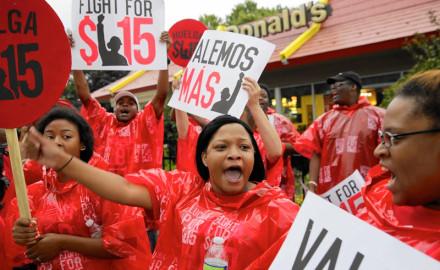 Efectos de la crisis mundial: salarios planchados y empleo precario