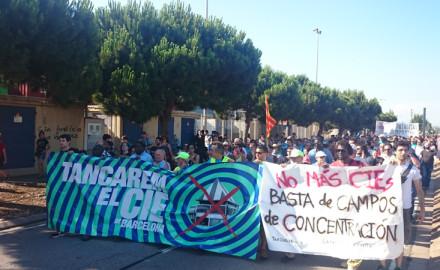 El cierre de los CIE se impone en la agenda política catalana