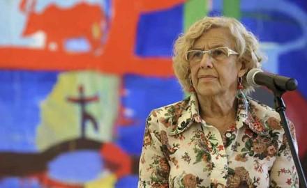 La alcaldesa Carmena licúa su programa