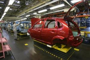 Peugeot quiere cerrar su planta de Madrid y dejar a dos mil trescientos trabajadores en la calle