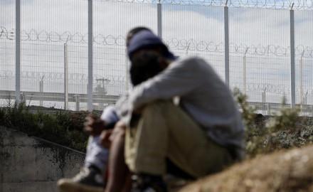 Muere un inmigrante en el túnel de la Mancha, Francia e Inglaterra endurecen medidas anti-inmigratorias