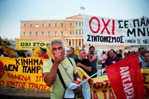 Condenan a activistas griegos por protestar contra el pacto de coloniaje