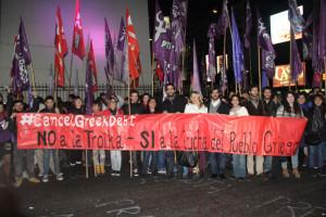 Cientos se manifiestan en Buenos Aires en apoyo al pueblo griego