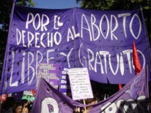 Aprobada la ley que condiciona el aborto para las menores de 18 años en el Estado español