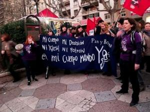 """Sara Povo: """"Nuestro nombre es nuestro lema, luchamos por nuestro derecho al pan, pero también a las rosas."""""""