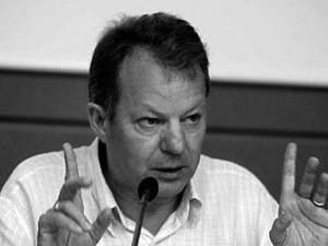 """PELAI PAGÈS: """"LA TRANSICIÓN CERRÓ EL PROCESO DE LUCHA POR LA DEMOCRATIZACIÓN DE LA UNIVERSIDAD"""""""