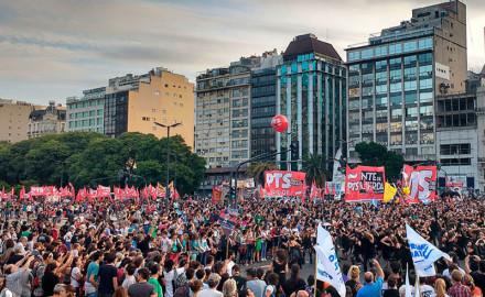 A 40 AÑOS DEL GOLPE CIENTOS DE MILES MARCHAN EN LAS CALLES DE ARGENTINA