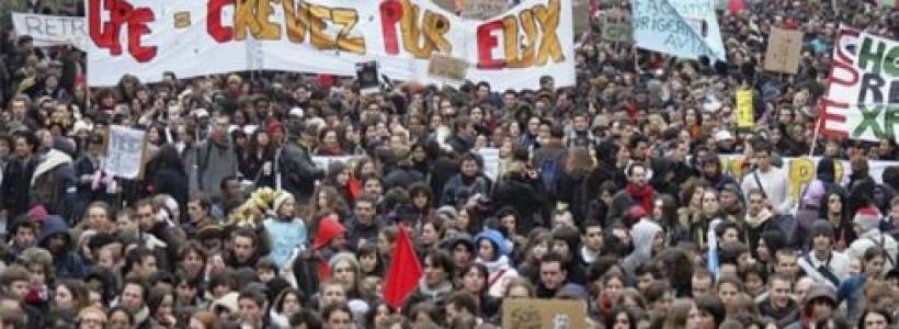 """Guillaume Loic: """"La juventud francesa se encuentra movilizada y el movimiento continúa"""""""