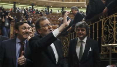 Rajoy sigue en la Moncloa, entre las cenizas del PSOE y un Congreso blindado