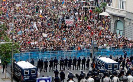 Rajoy asumirá con un Congreso deslegitimado y al calor del retorno de la movilización