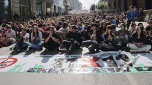 """""""Queremos poner en pie un movimiento estudiantil anticapitalista, combativo y con los trabajadores"""""""
