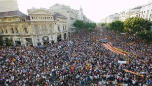 Defender el derecho a decidir y el 1O por medio de una gran movilización social