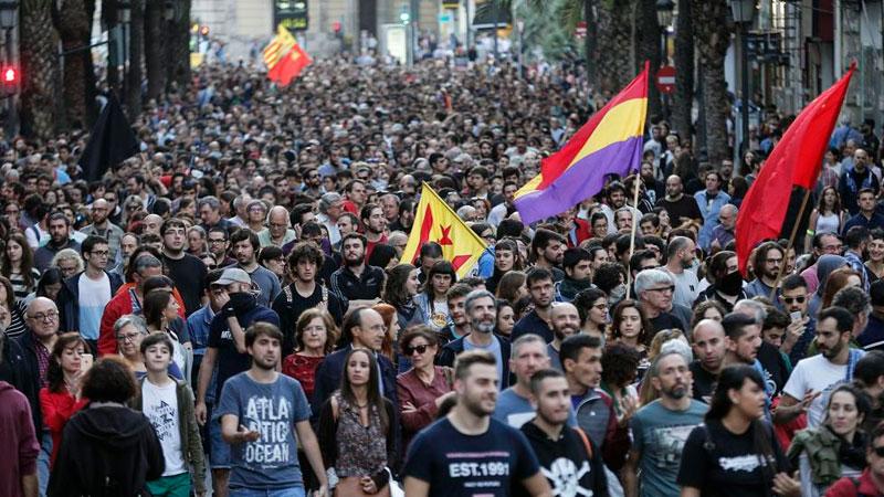 """La extrema derecha, el """"mal menor"""" y la lucha por la república obrera y socialista"""