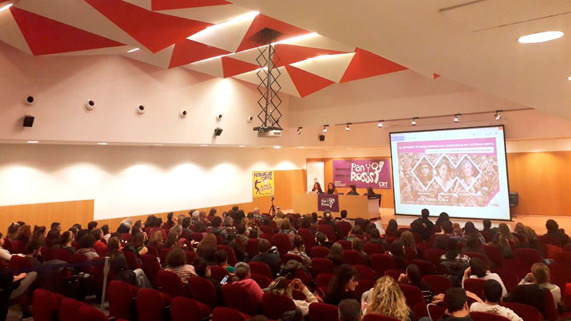 """Andrea D'Atri a sala llena en la Universitat de Barcelona: """"Hay condiciones inmejorables para articular el movimiento de mujeres y la lucha de clases"""""""